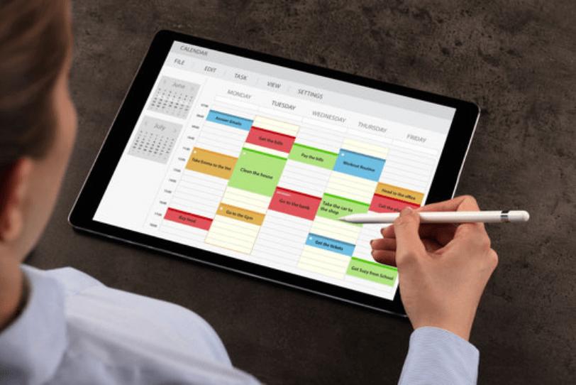 Visuel Feuilles d'heures : automatisez vos processus avec un logiciel de gestion de maintenance